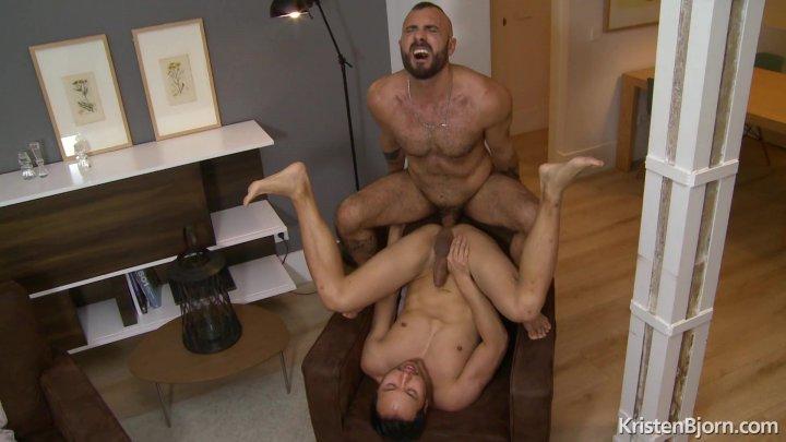 Streaming porn video still #4 from Bareback Castings 3