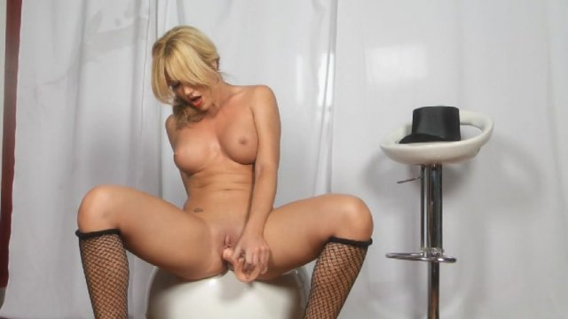 Streaming porn video still #3 from Glamour Solos Three