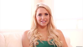 Streaming porn video still #9 from Mia