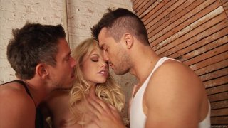 Streaming porn video still #1 from Mia