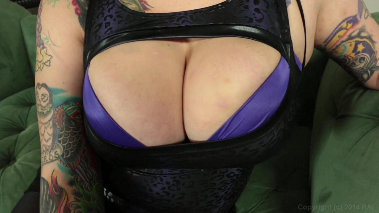 https://caps1cdn.adultempire.com/o/2437/3840/1711761_02450_3840c.jpg