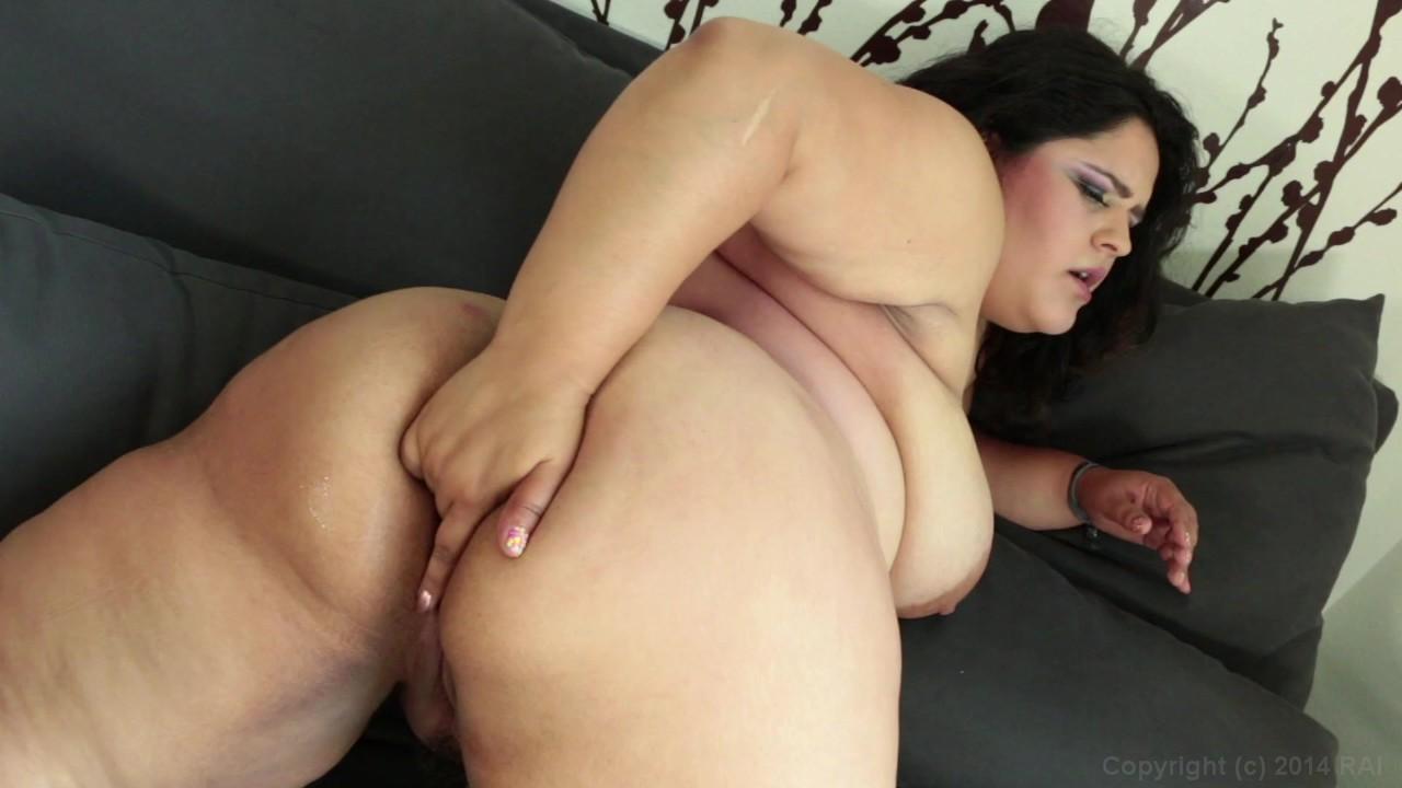 https://caps1cdn.adultempire.com/o/2437/3840/1711761_07440_3840c.jpg