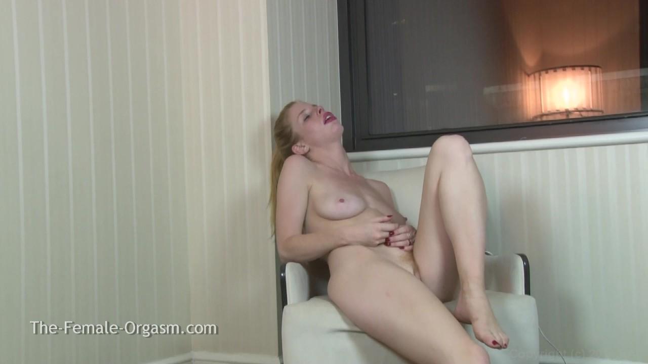 https://caps1cdn.adultempire.com/o/2437/3840/1711847_01730_3840c.jpg