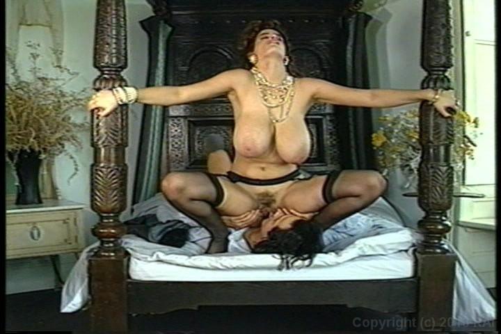 массивной грудью ретро порно ублажада старенького мужчину огромным сексуальным аппетитом