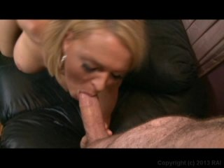 Streaming porn video still #9 from Deep Throat This 49