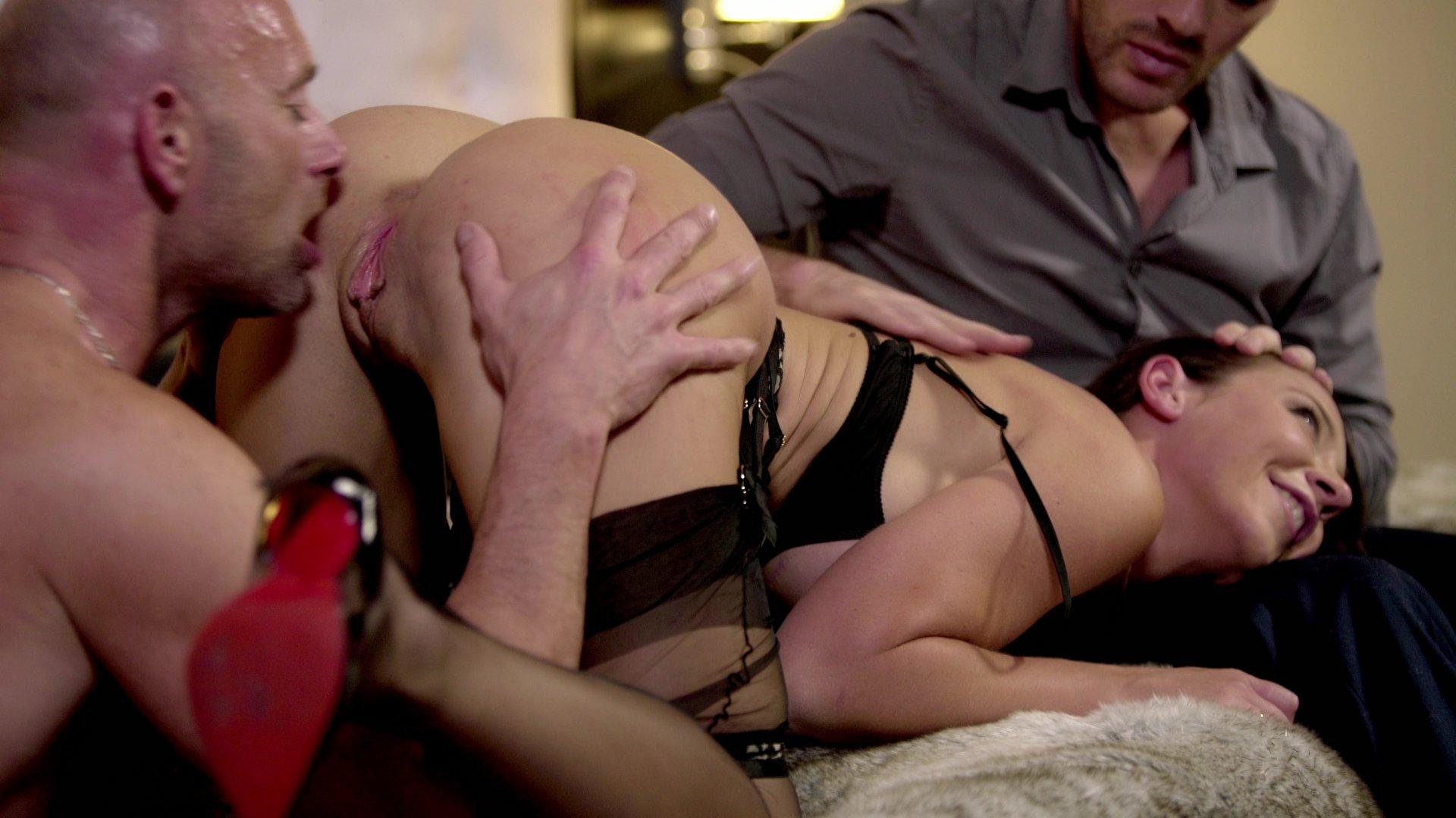 Порно художественный фильм жена иска жужа муж