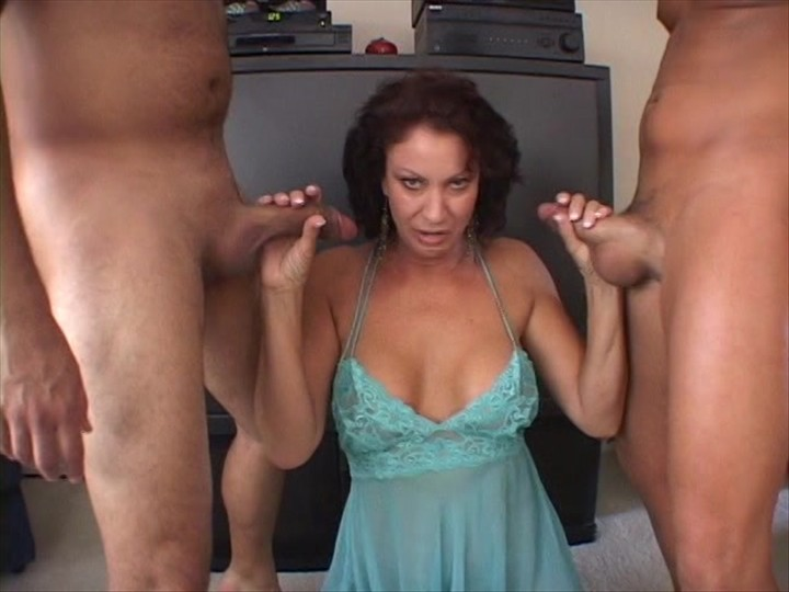 Solo shemales pissing videos