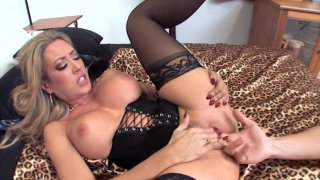 Screenshot #13 from Perfectly Dirty Blondes 3
