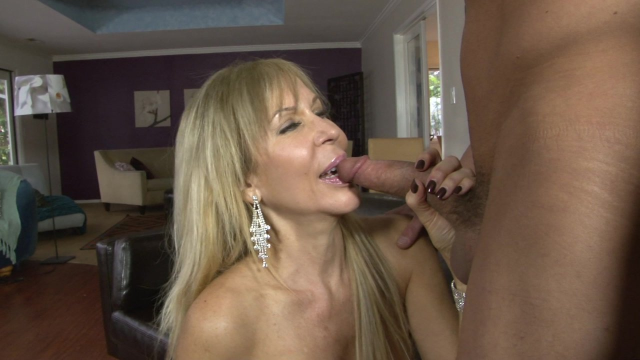 blonde-mature-fuckers-naked-woman-finland
