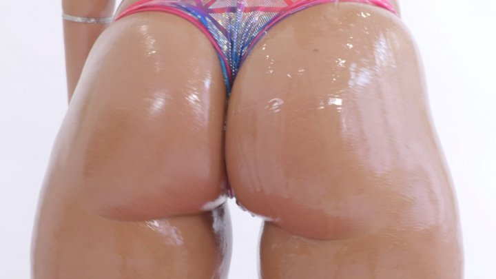 Streaming porn video still #2 from Oiled Up 6