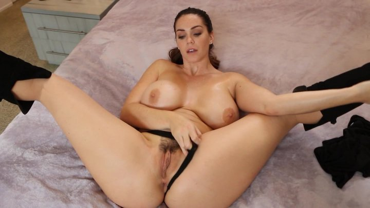 Streaming porn video still #2 from Pornstar Solos 4