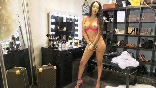 Streaming porn video still #6 from Sunshyne Monroe 4