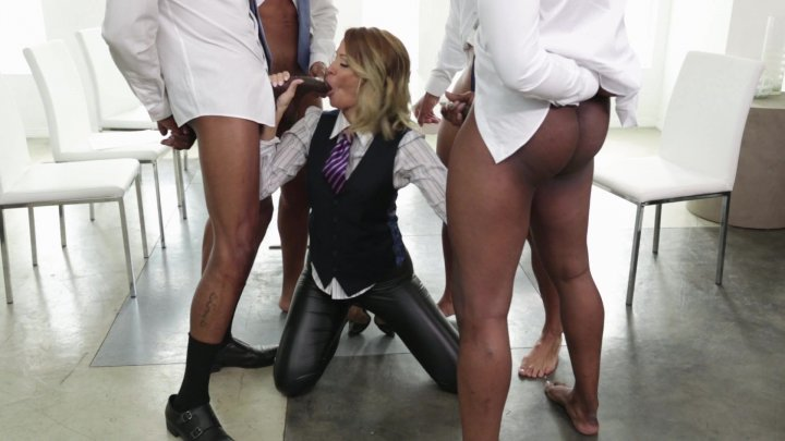 Streaming porn video still #3 from Jessica Drake Is Wicked