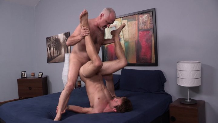 Streaming porn video still #1 from Cruise Collection 105: Big Tool Fuck