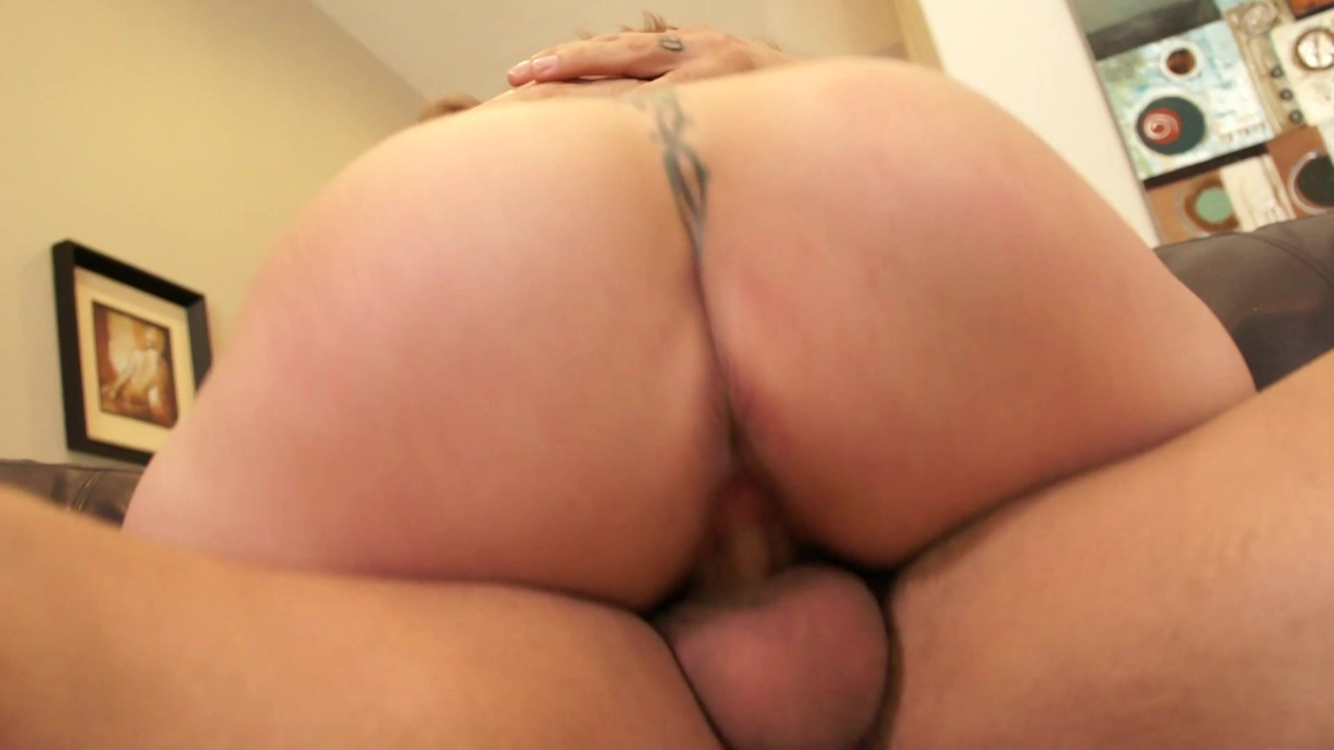 Busty Mom Alexis Fawx Gives Hot Blowjob