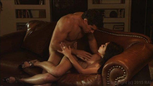Streaming porn video still #3 from Escaladies