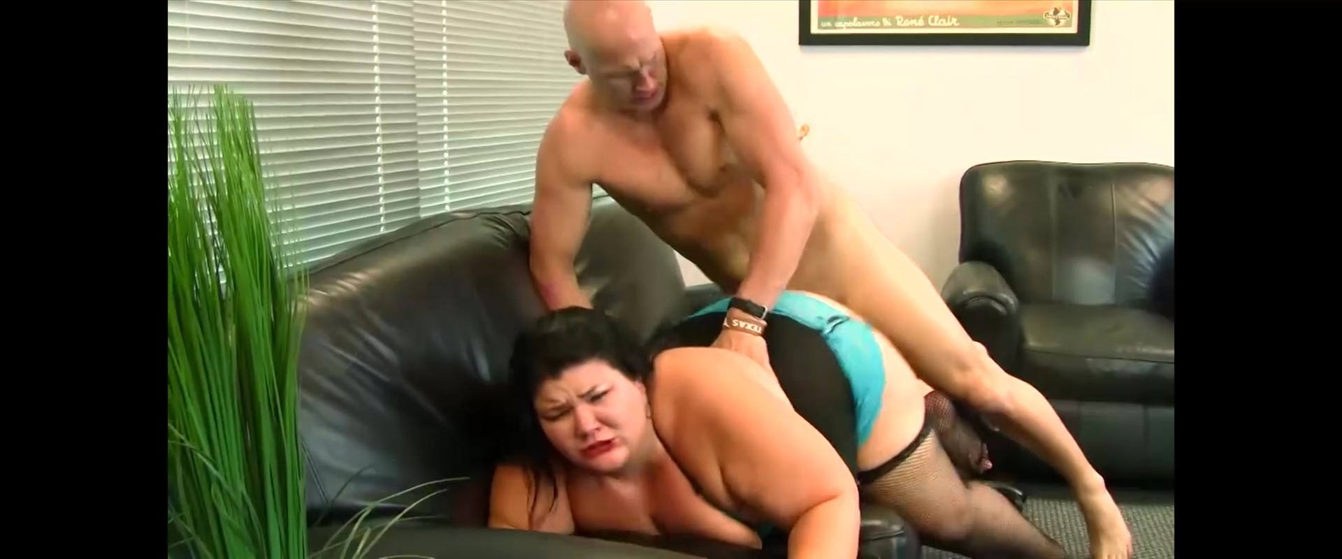She fucks three dildos at once