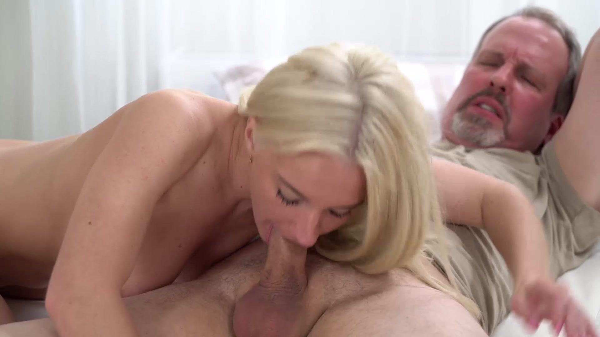 sexy mature women porn pics