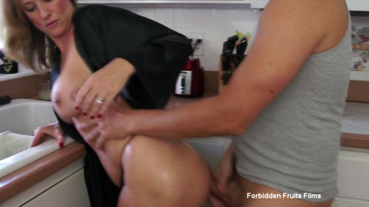 Blonde Milf Jodi West Fucks Her Stepson After Making Him -4205
