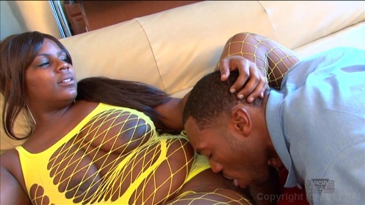 Sexy & Horny Black Milf Fucking Her Super Wet Pussy.