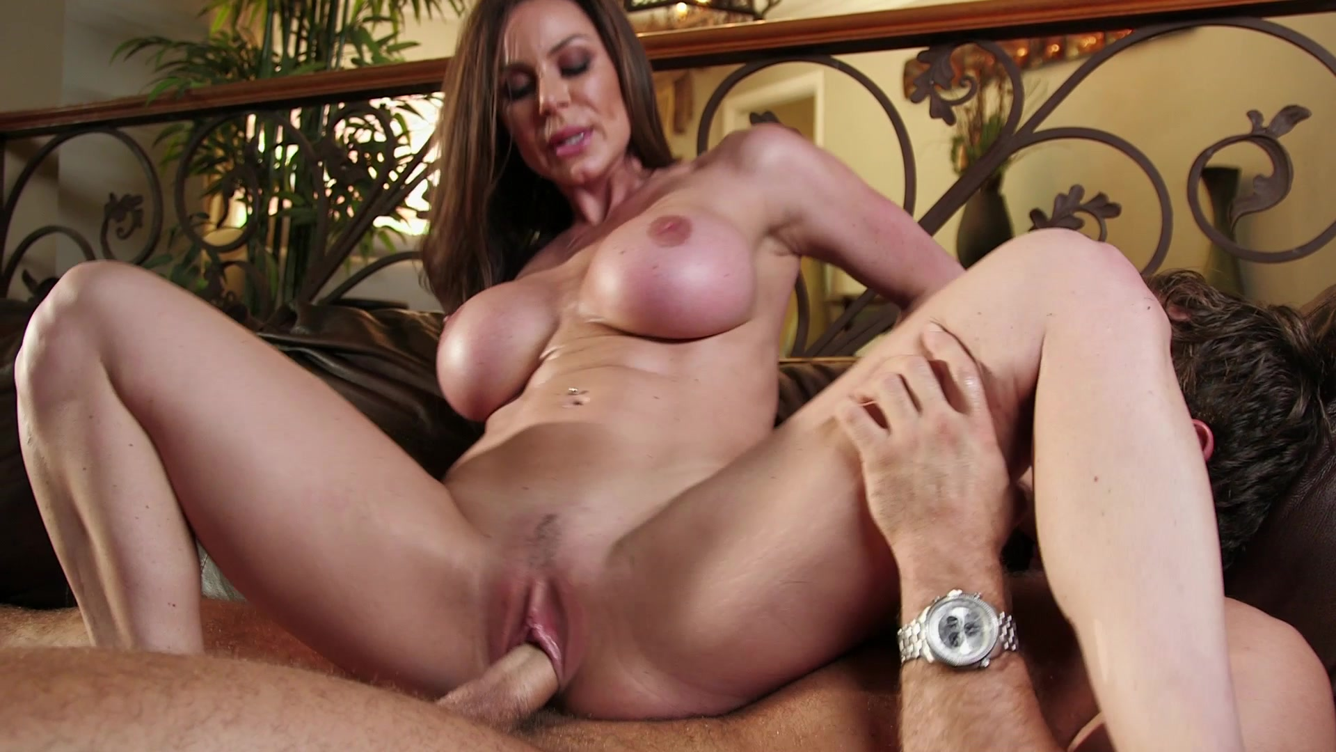 Hot mom busty sex, bonnie swanson sex