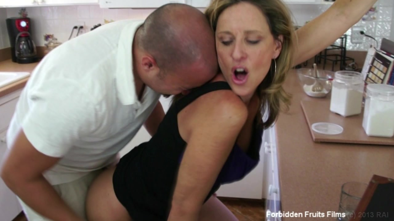 Laura lesson milf