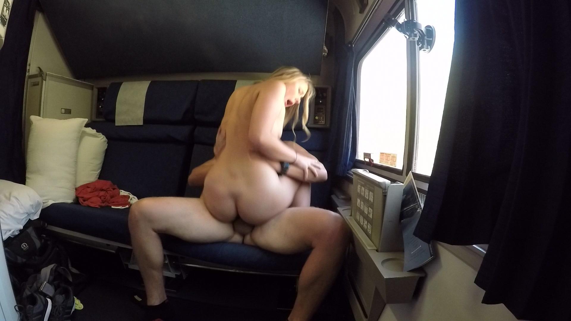 Bildar girls lovely couples sex on the train