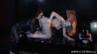 Streaming porn video still #5 from Power Bangers