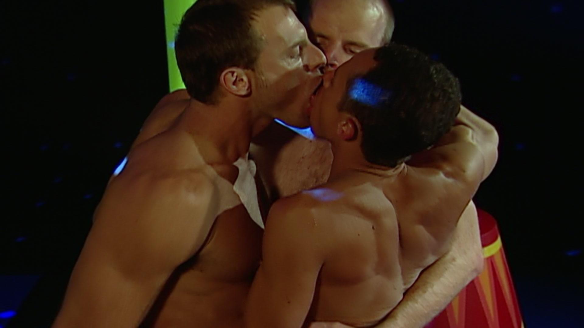 Cirque du noir gay porn