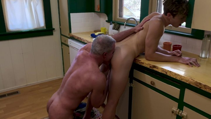 Streaming porn video still #1 from Family Dick 19