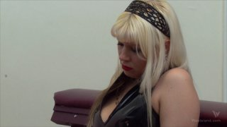 Screenshot #8 from Femdom Goddess Starla: Gauntlet Of Pain
