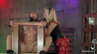 Streaming porn video still #1 from Femdom Goddess Starla: Gauntlet Of Pain