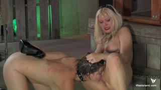 Streaming porn video still #9 from Femdom Goddess Starla: Gauntlet Of Pain