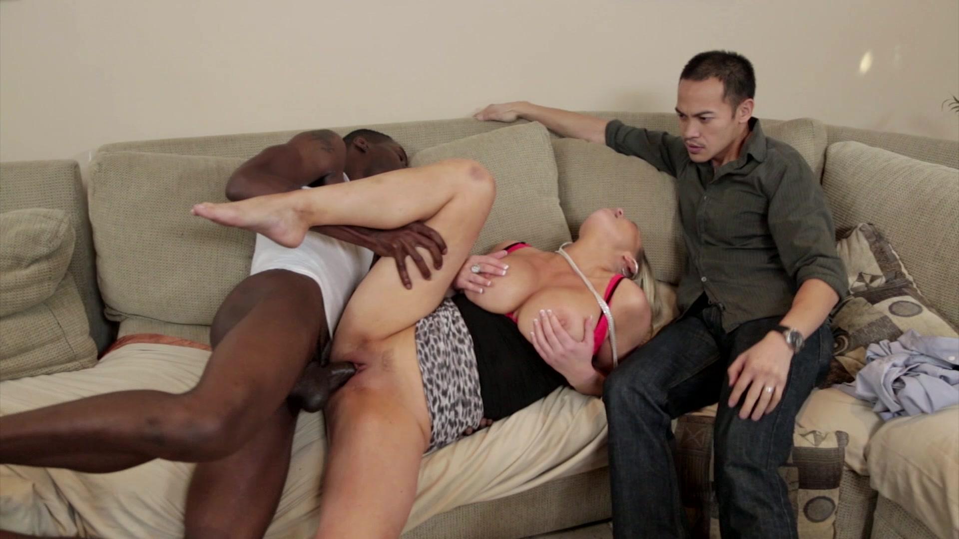 porno-video-izmeni-na-pohoronah-polnometrazhnie-bdsm-strapon