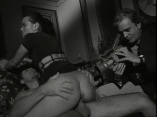 Streaming porn video still #1 from Voyeur Gallery