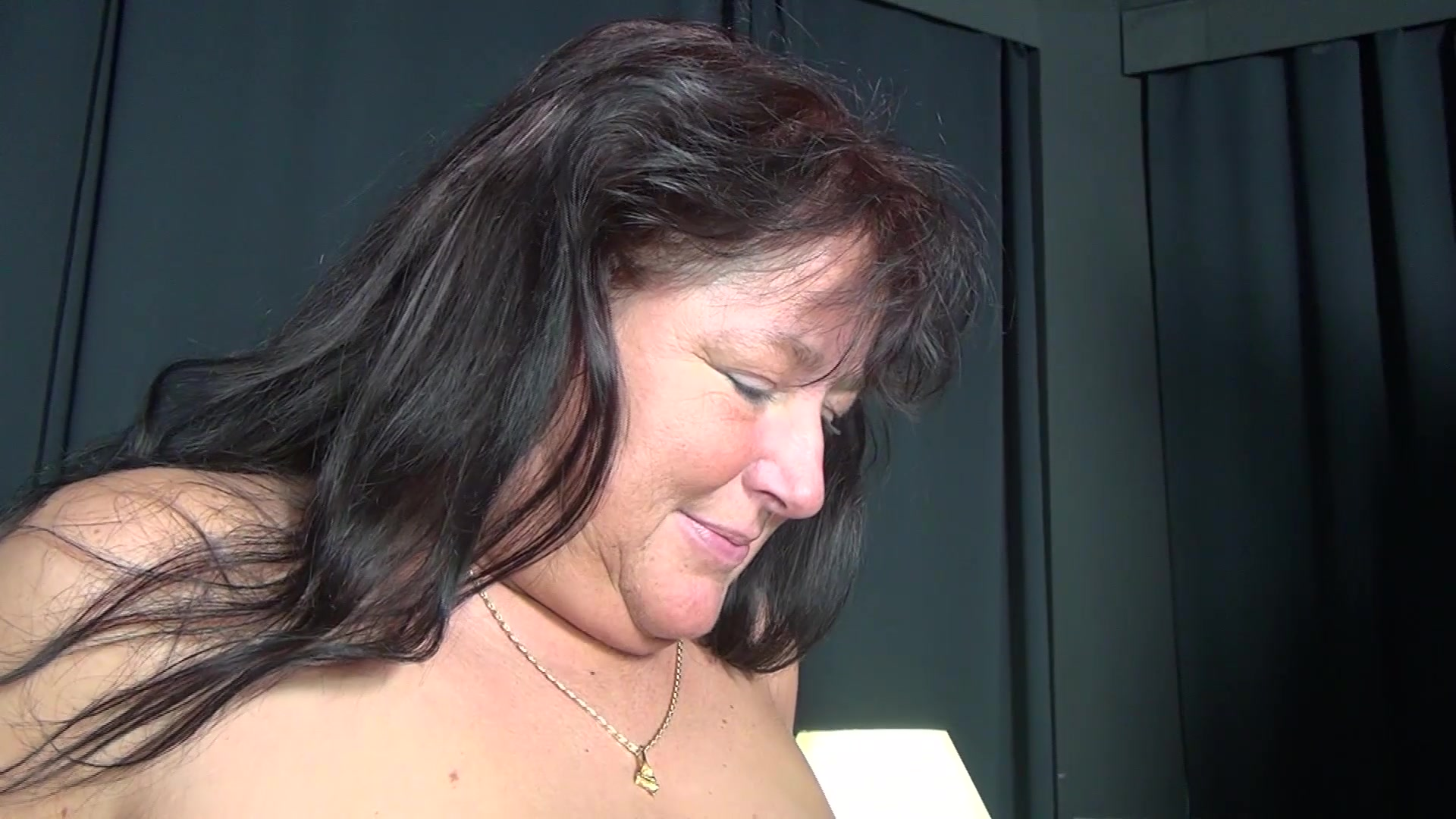 Gefragt nackt putz en pervers Perverse Luder