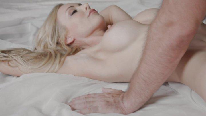 Streaming porn video still #4 from Sun-Lit Vol. 2