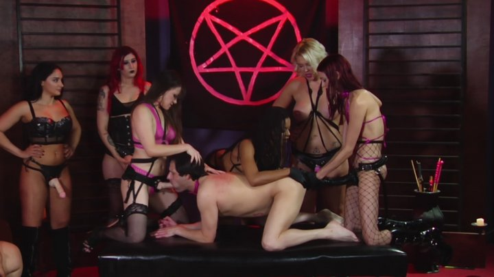 Streaming porn video still #5 from Mind Fucked: A Cult Classic