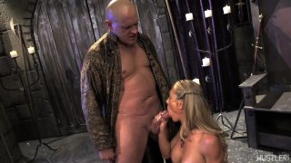 Streaming porn video still #4 from This Ain't Game Of Thrones: This Is A Parody