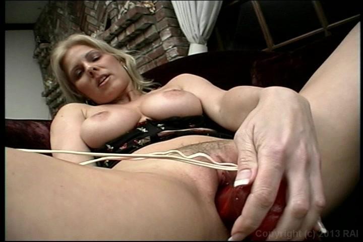 Mature huge breast saggers