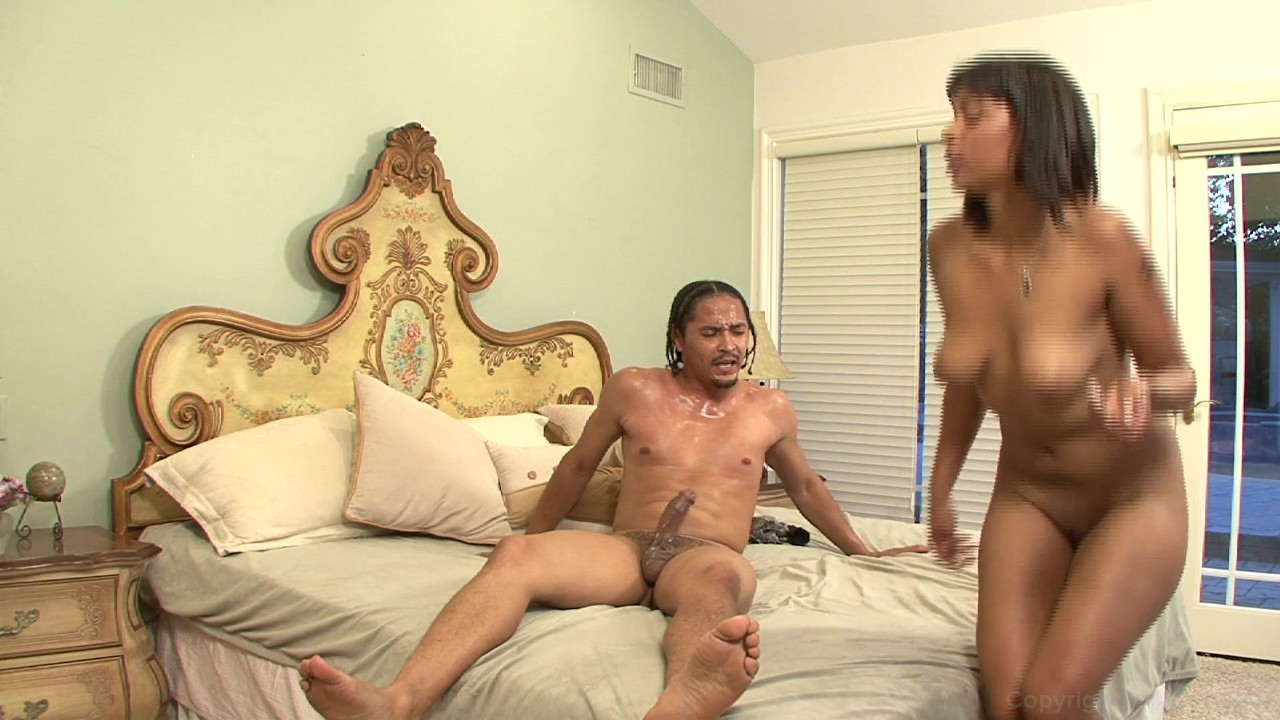 man pushing his penis in to pussy