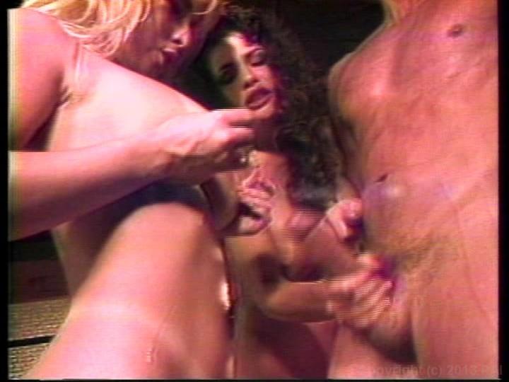 Milf lesbian seduce threesome
