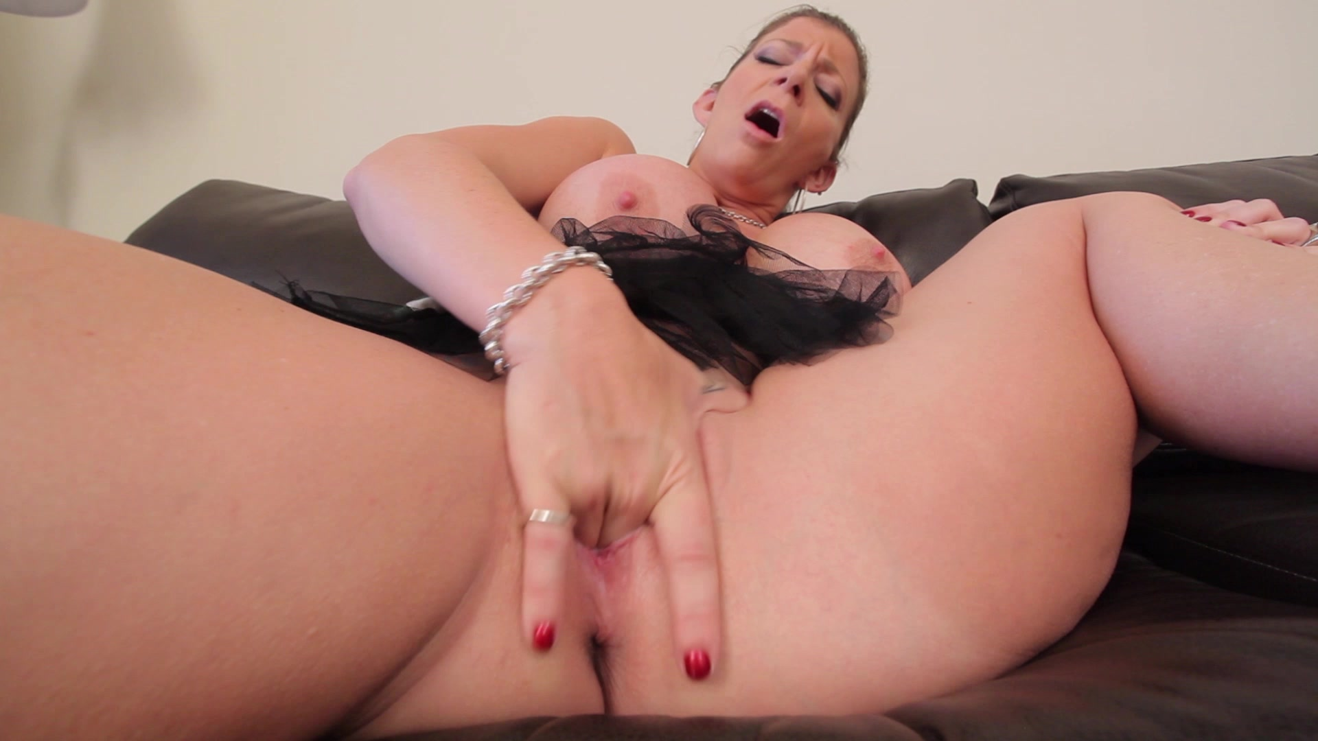 Solo anal fingering mom
