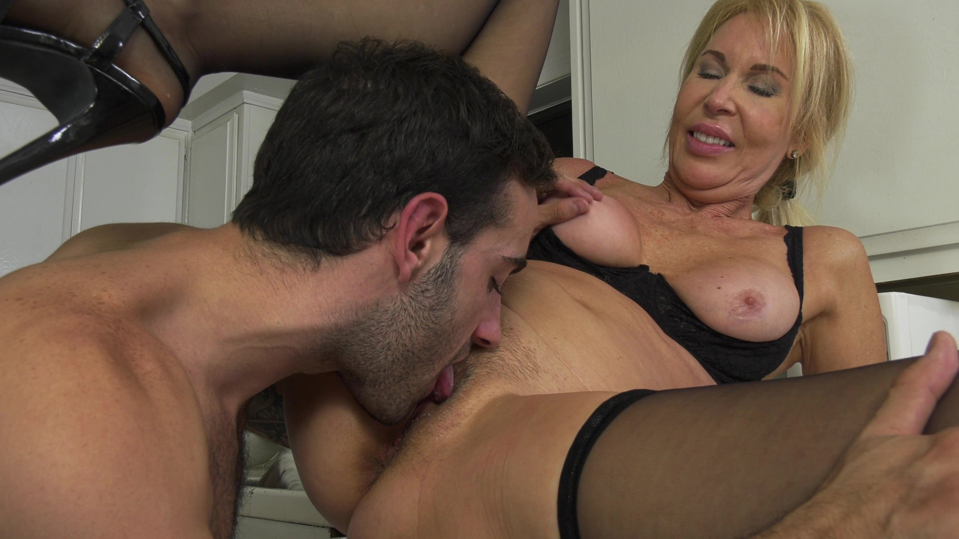 Free Video Preview Image 7 From Horny Grannies Love To Fuck 12