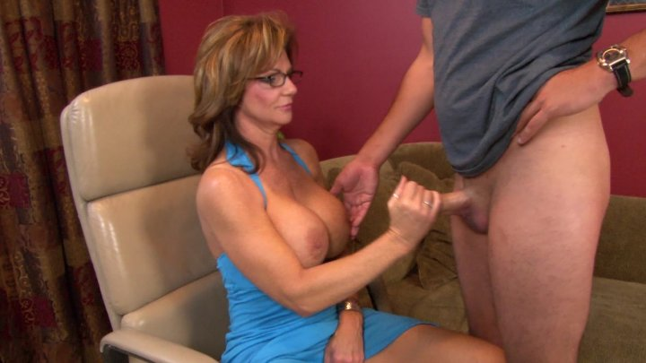 Streaming porn video still #4 from Somebody's Mother: Indiscretions By Deauxma