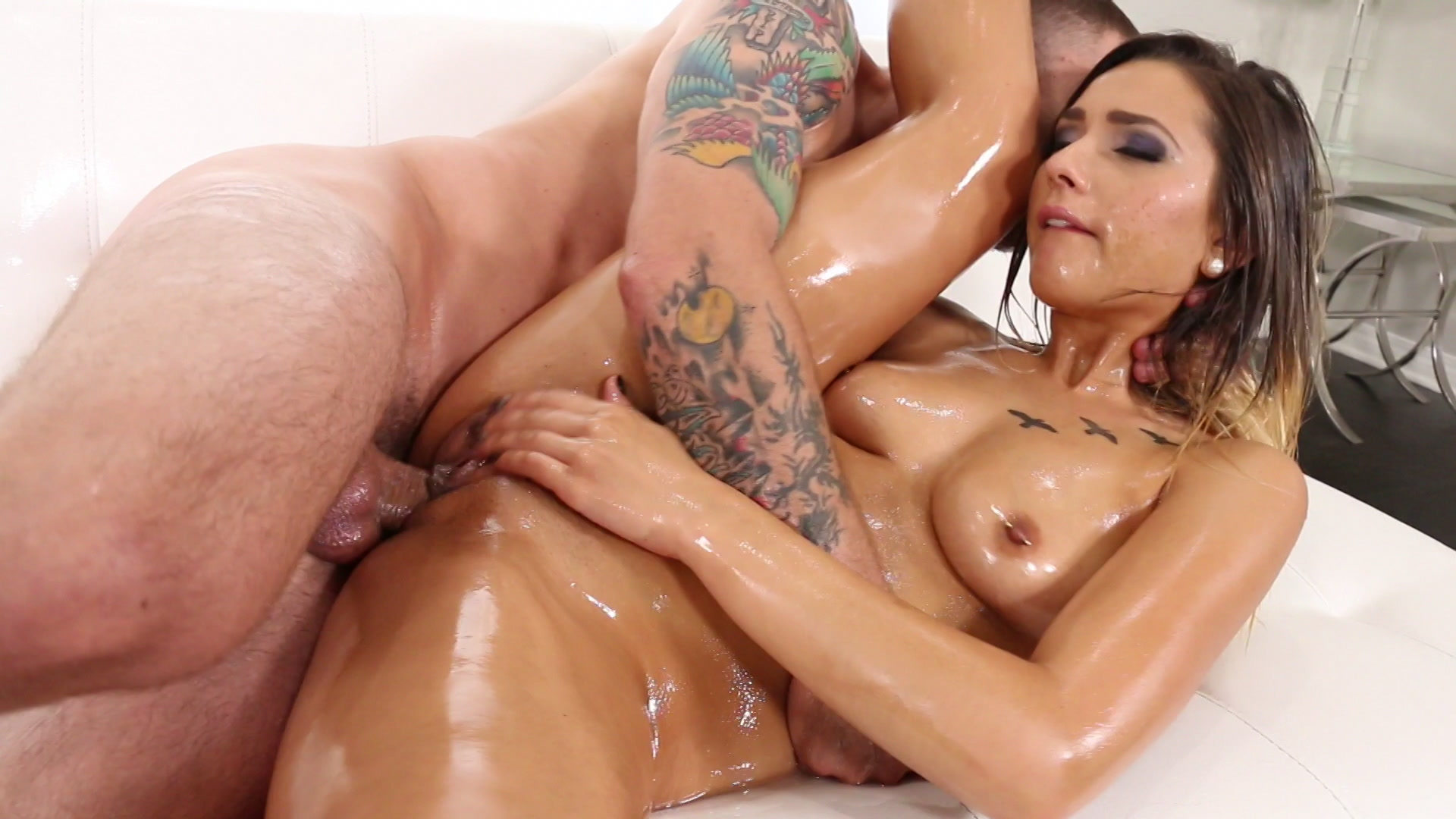 Daphne Rosen Oiled Up Gets Her Asshole Ripped