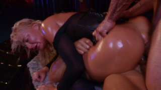 Streaming porn video still #9 from Oil Slick