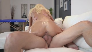 Streaming porn video still #6 from Lonely Wives Club 2