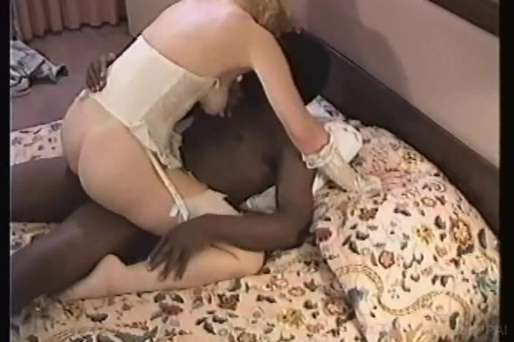 lynn carroll interracial milf