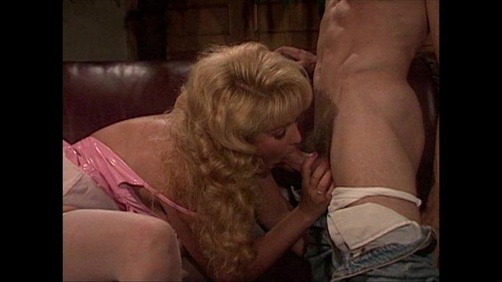 Streaming porn video still #2 from 90's Deep Throat Legends